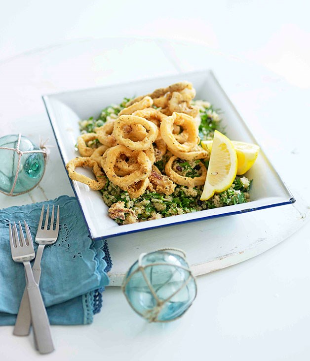 Fried calamari with amaranth, dill and currants