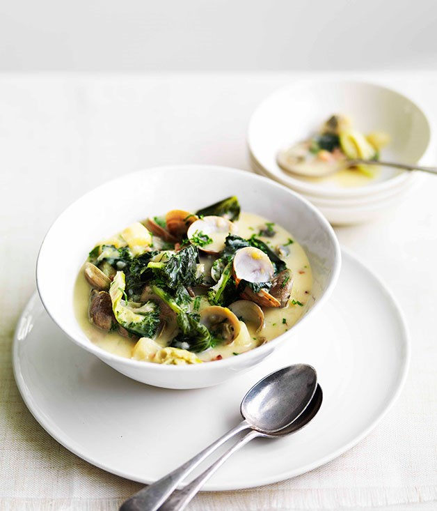 Clam, bacon, kale and potato soup