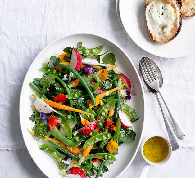 Grilled goat's cheese with garden salad