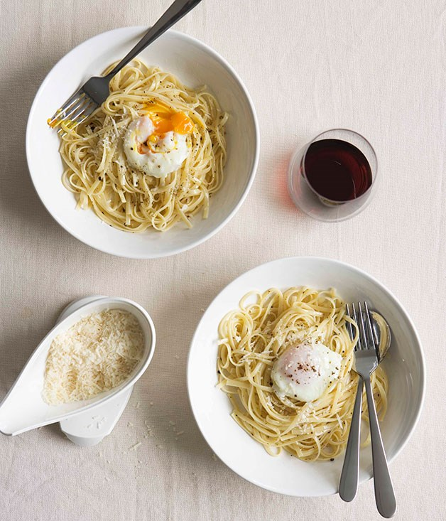 """[**Linguine with poached egg, pepper and parmesan**](https://www.gourmettraveller.com.au/recipes/fast-recipes/linguine-with-poached-egg-pepper-and-parmesan-12992 target=""""_blank"""")"""