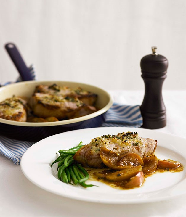 Roast pork chops with apples, onion and sage