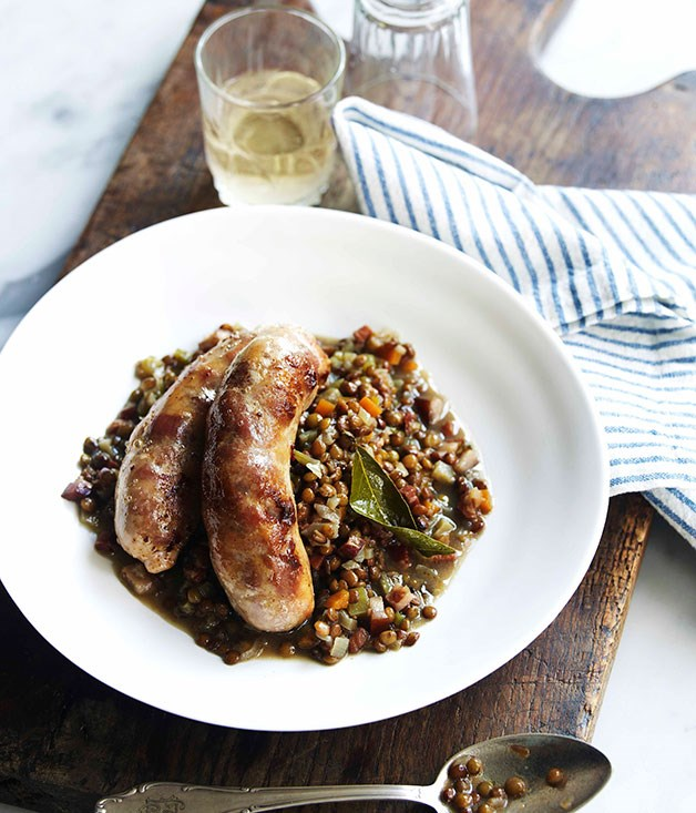 Sausages with braised green lentils