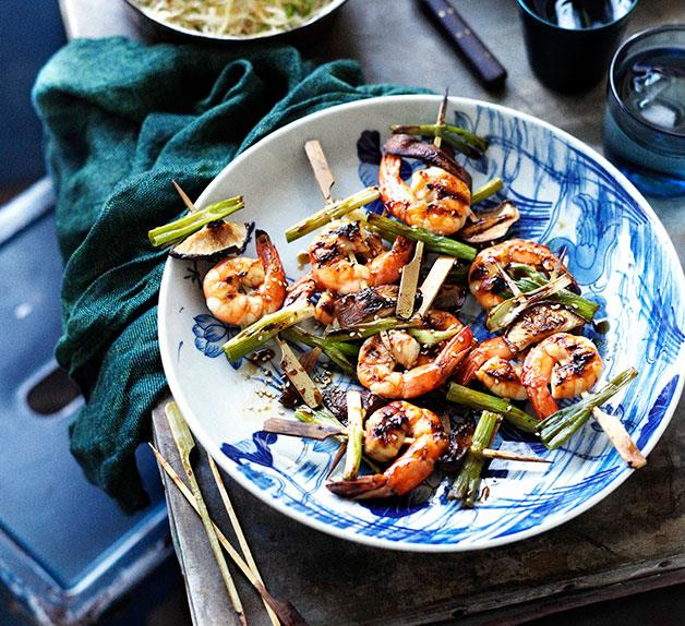oy-glazed barbecued prawns with cabbage and daikon salad and chilled soba