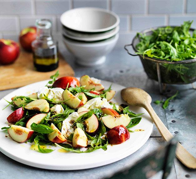 Nectarine, buffalo mozzarella and rocket salad