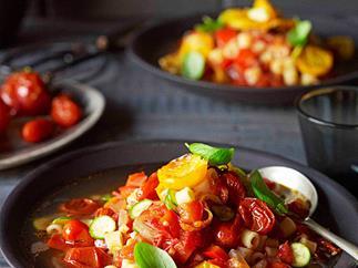 Roast tomato minestrone