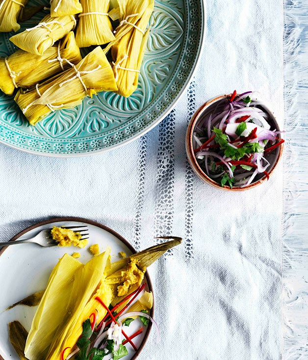 Salted fresh corn tamales with salsa criolla (Humitas con salsa criolla)