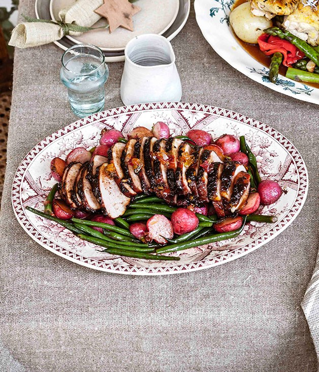 Glazed ham with radishes and beans