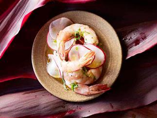 Jasmine-scented steamed prawns
