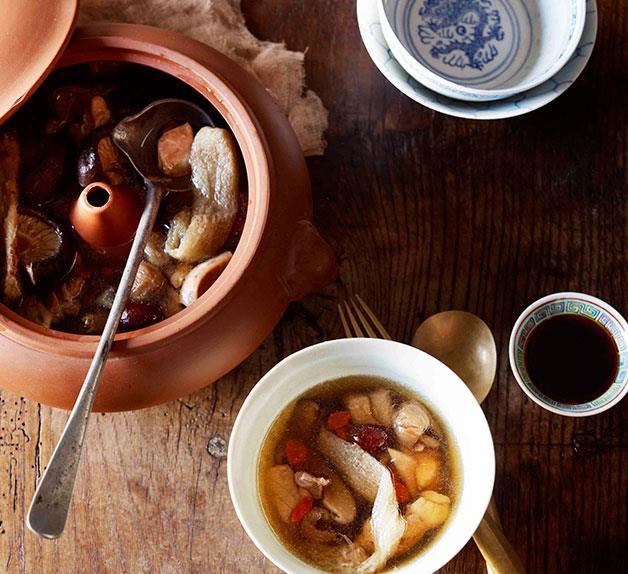 Steam pot chicken (Qi guo ji)