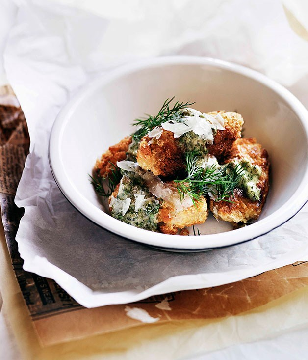 Crumbed lambs' brains with piquant herb sauce
