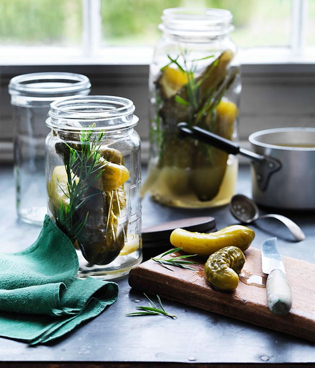 Tarragon cucumber pickles