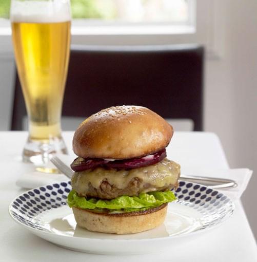 **Wagyu burger** **Wagyu burger**    [View Recipe](http://gourmettraveller.com.au/wagyu_burger.htm)     PHOTOGRAPH **CHRIS CHEN**