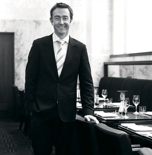 **Tom Sykes, Rockpool Bar & Grill, Sydney** **Maitre d' of the year 2010: Tom Sykes, Rockpool Bar & Grill, Sydney**      Read about the award given to [**maitre d' Tom Sykes from Rockpool Bar & Grill, Sydney**](http://www.gourmettraveller.com.au/maitre-d-of-the-year-2010-tom-sykes-rockpool-bar-grill-sydney.htm).      PHOTOGRAPH **JASON LOUCAS**