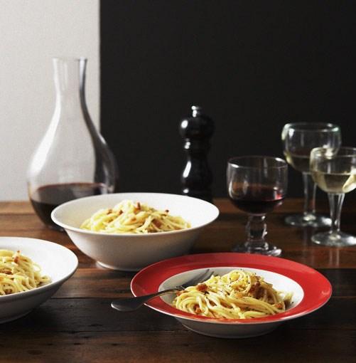 **Spaghetti carbonara** **[Massimo Bianchi: spaghetti carbonara](http://www.gourmettraveller.com.au/spaghetti_carbonara_massimo.htm)**      [](http://www.gourmettraveller.com.au/spaghetti_carbonara_massimo.htm)      PHOTOGRAPH **CHRIS CHEN**