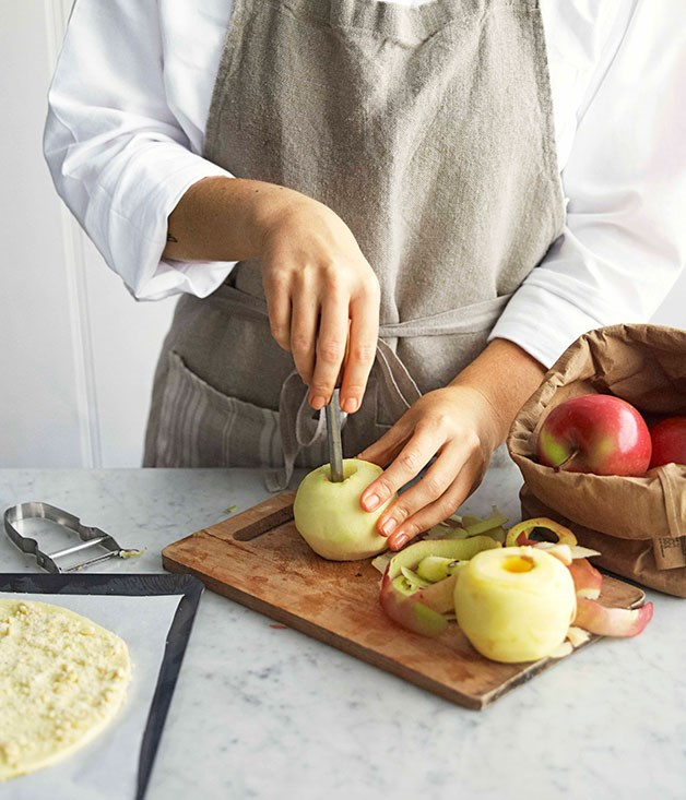 **Step 4** Working quickly, peel and core apples. Rub with lemon juice if they start to discolour.