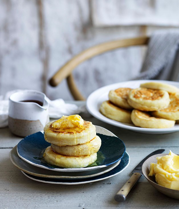 Crumpets with homemade honey butter