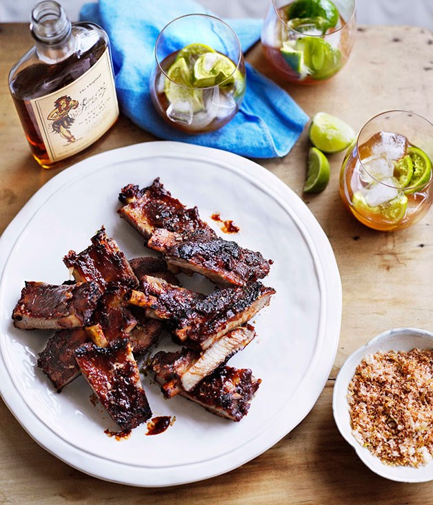 **Sticky pork ribs with rapadura salt**