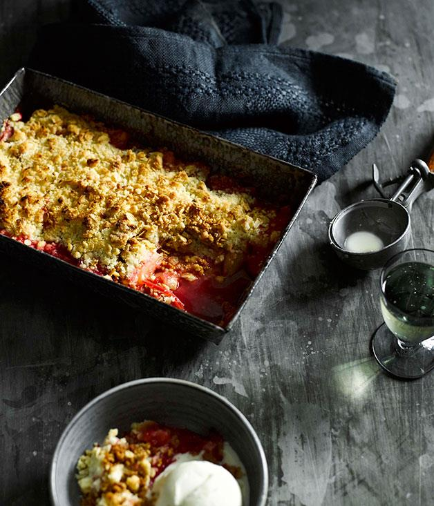 "**[Rhubarb crumble](https://www.gourmettraveller.com.au/recipes/fast-recipes/rhubarb-crumble-13371|target=""_blank"")**"