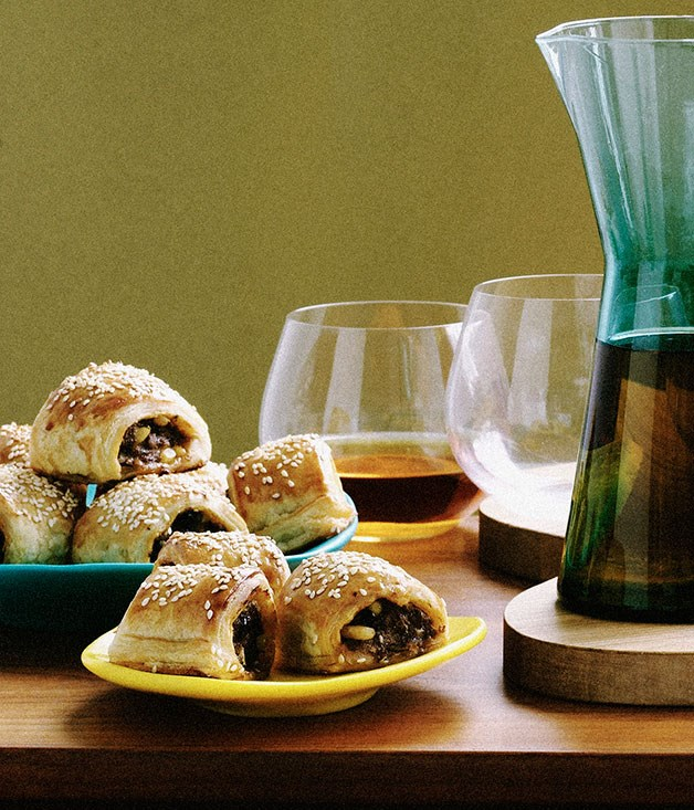 "[**Lamb and harissa sausage rolls**](https://www.gourmettraveller.com.au/recipes/browse-all/lamb-and-harissa-sausage-rolls-9894|target=""_blank"")"