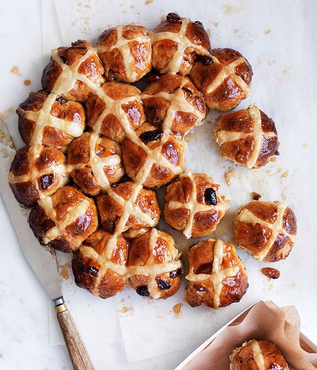 **Apple and cinnamon hot cross buns**