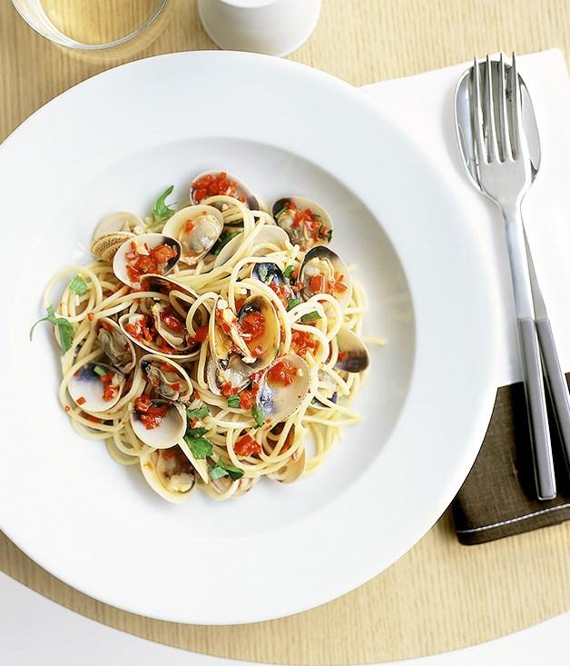 """[**Spaghetti vongole**](https://www.gourmettraveller.com.au/recipes/fast-recipes/spaghetti-vongole-9446 target=""""_blank"""")"""