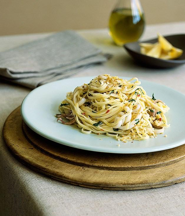 Taglierini with squid, garlic and chilli