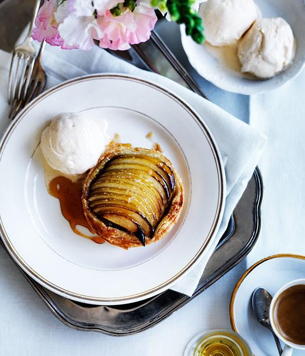 "**[Mère Roux's apple tartlet](https://www.gourmettraveller.com.au/recipes/chefs-recipes/mere-rouxs-apple-tartlet-7940|target=""_blank"")**"
