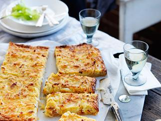 Onion and sour cream thin-baked slice