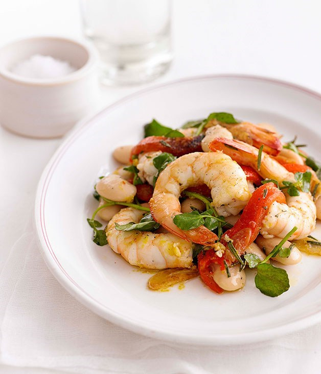 "**[Garlic and Rosemary Prawns with White Beans](https://www.gourmettraveller.com.au/recipes/fast-recipes/garlic-and-rosemary-prawns-with-white-beans-12976|target=""_blank"")**"