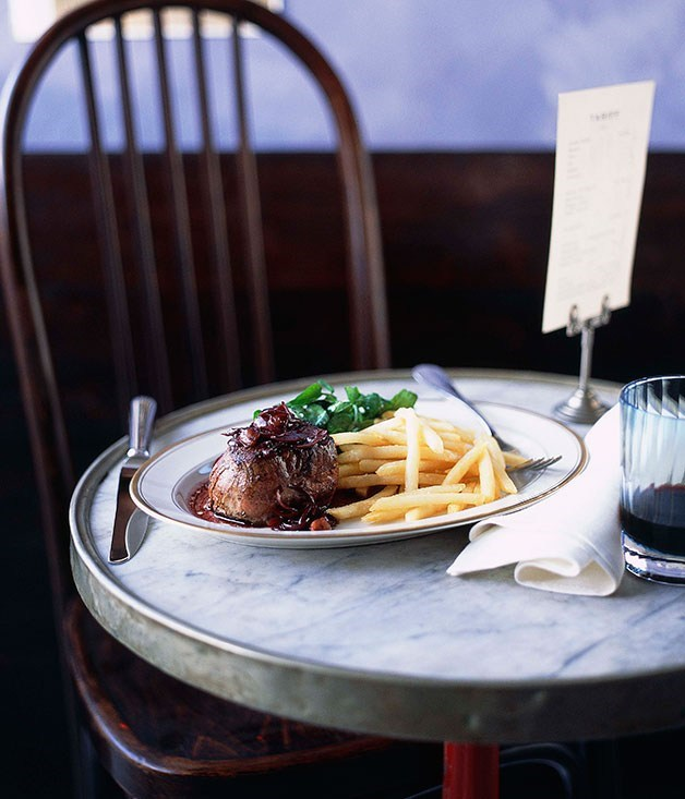 **Steak with Bordelaise sauce, shoestring fries and watercress salad**