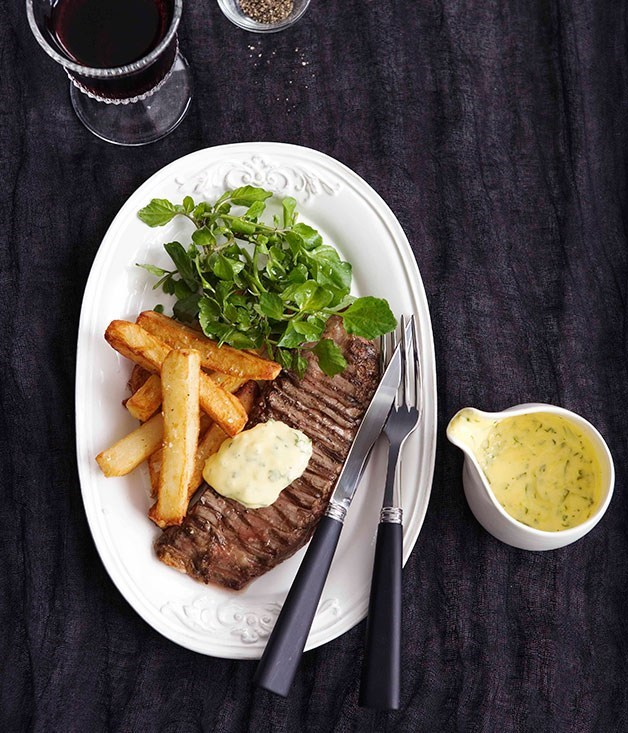 **Onglet with bearnaise and pommes Pont Neuf**