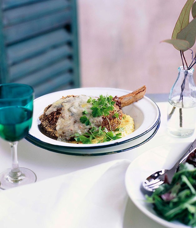 **Beef cutlets with creamed corn and Gorgonzola**