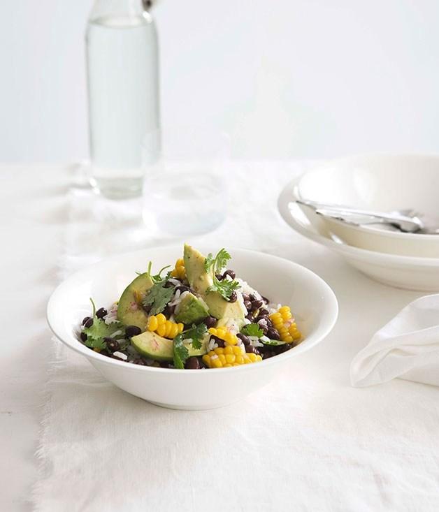 **Blackbean, corn and avocado salad with tomatillo**