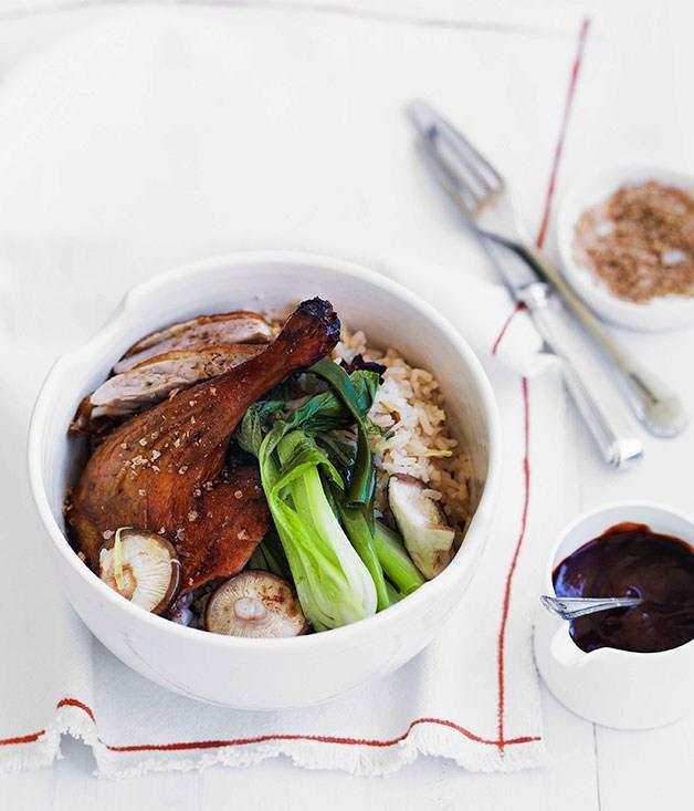 "[**Chinese roast duck with ginger and shiitake rice**](https://www.gourmettraveller.com.au/recipes/fast-recipes/chinese-roast-duck-with-ginger-and-shiitake-rice-13179|target=""_blank"")"