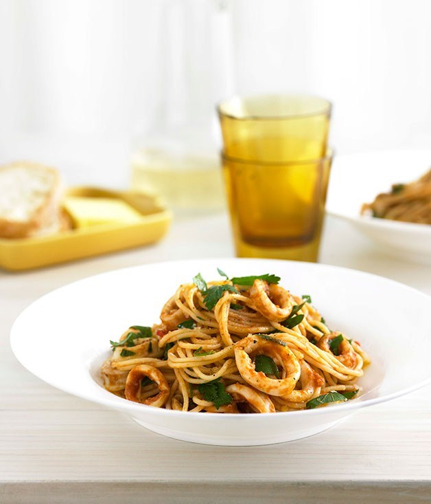 "**[Calamari, chilli and garlic spaghettini](https://www.gourmettraveller.com.au/recipes/fast-recipes/calamari-chilli-and-garlic-spaghettini-13040|target=""_blank"")**"