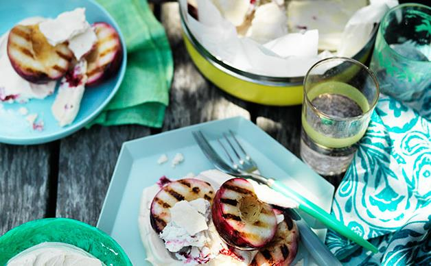 Grilled nectarines with raspberry meringue and yoghurt