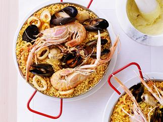 Seafood paella with alioli
