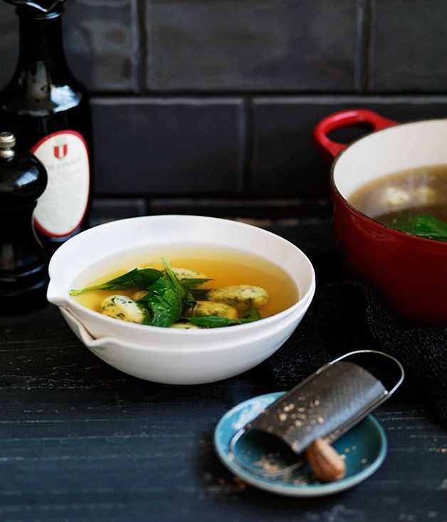 **Spinach and ricotta dumplings in chicken broth**