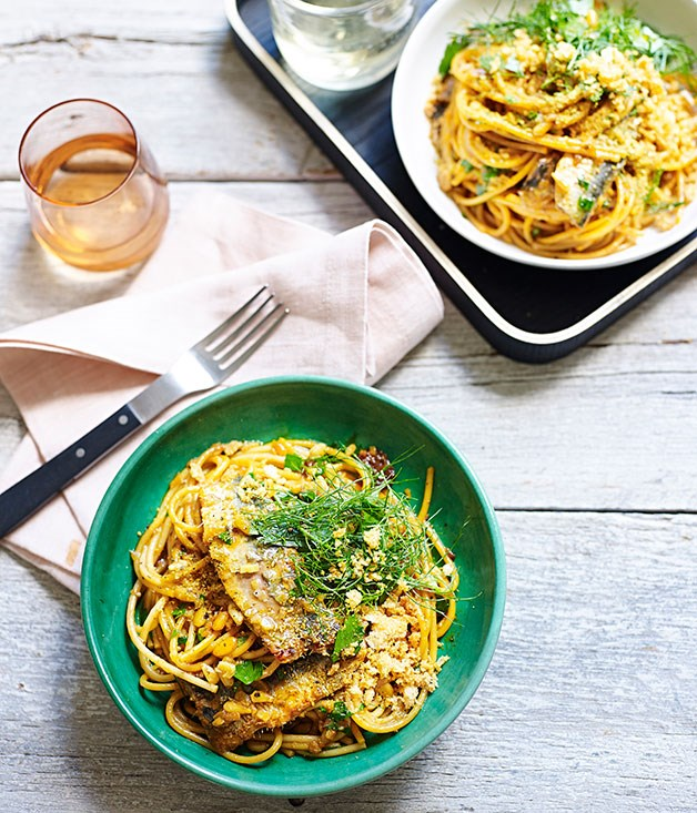 Spaghetti with sardines, fennel and raisins