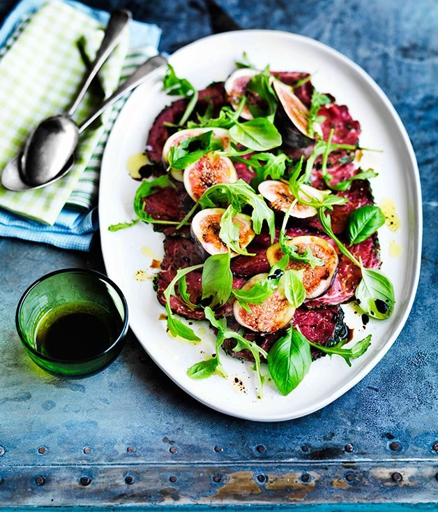 **Beef carpaccio with figs and rocket**