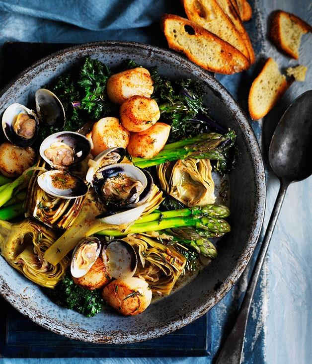 """[**Barigoule of artichoke, asparagus and kale with scallops and clams**](https://www.gourmettraveller.com.au/recipes/browse-all/barigoule-of-artichoke-asparagus-and-kale-with-scallops-and-clams-11340