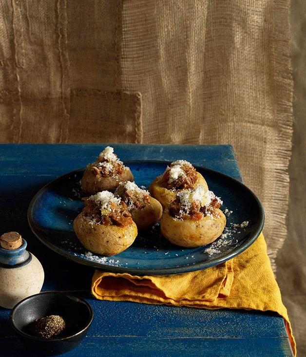 **Potatoes stuffed with braised lamb**