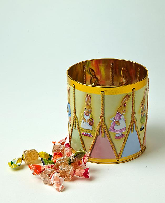 "**Leone Jellies** Chocolate not your thing? Don't worry, these fruit-flavoured jellies from Leone, packaged in a gorgeous Easter-themed tin, have got you covered.  _Leone jellies, $31.95 for 400gm. [rawmaterials.com.au](http://rawmaterials.com.au/catalog/index.php ""Raw Materials"")_"