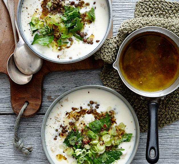 Lemon-yoghurt soup with lentils, brown rice and herbs