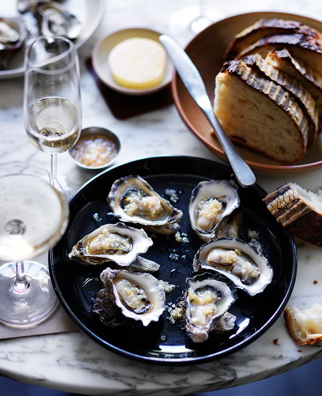 Roast oysters with horseradish