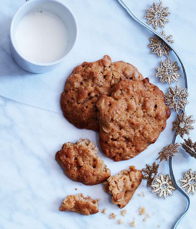 "[**Spiced ginger oat biscuits for dunking**](https://www.gourmettraveller.com.au/recipes/browse-all/spiced-ginger-oat-biscuits-for-dunking-11834|target=""_blank"")"