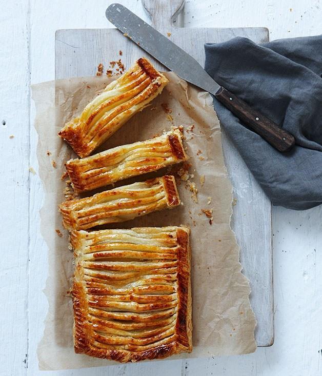 "[**Pear dartois**](https://www.gourmettraveller.com.au/recipes/chefs-recipes/pear-dartois-7868 target=""_blank"")"