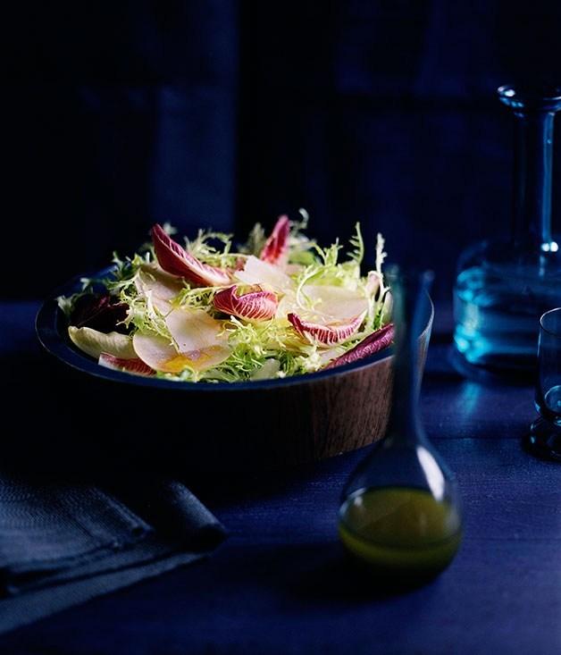 **Ya li pear, pecorino and blonde leaf salad with Maury vinaigrette**
