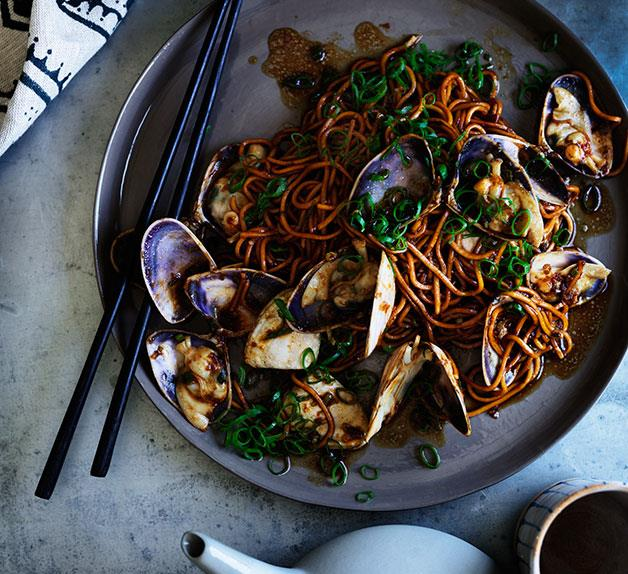 La mian with pipis and ginger