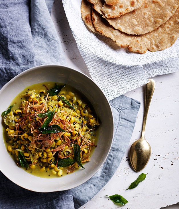 """**[Black-eyed pea curry with crisp shallots and curry leaves](https://www.gourmettraveller.com.au/recipes/browse-all/black-eyed-pea-curry-with-crisp-shallots-and-curry-leaves-11986 target=""""_blank"""")**"""